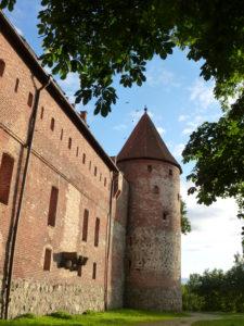Zamek krzyżacki w Bytowie. Wieża Młyńska z Domem Zakonnym.